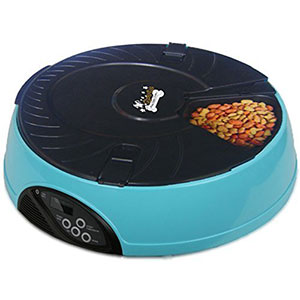 8. Qpets Automatic Feeder